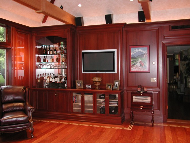 Bar/Entertainment Center